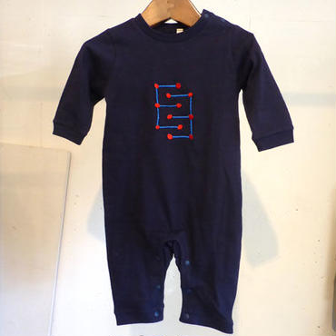 MOMENT(モーメント) 名入れ刺繍ロンパース E