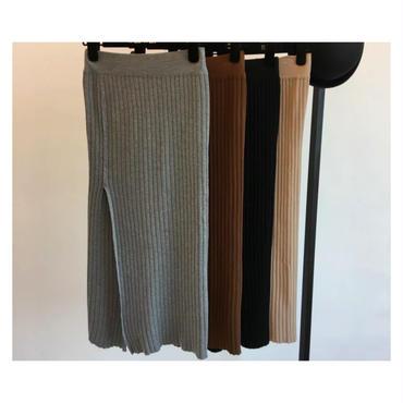 膝丈ニットスカート