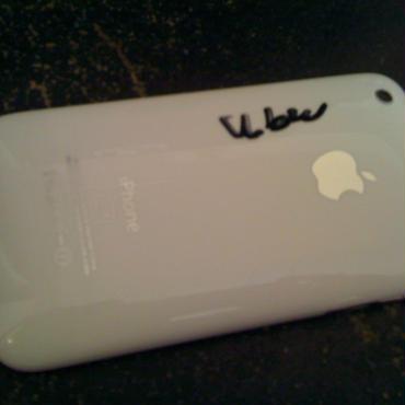 海外SIMフリー Wolfson DAC iPhone 16GB  (サイン入り)A2