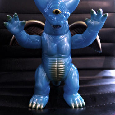 TARGET  EARTH  宇宙怪獣バクン  水色成型怪獣ソフビ