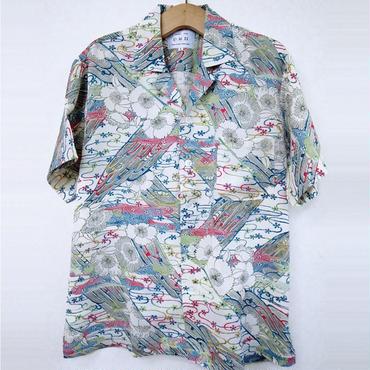 オリエンタル アロハシャツ (男性Lサイズ半袖) 白地に花柄と水紋