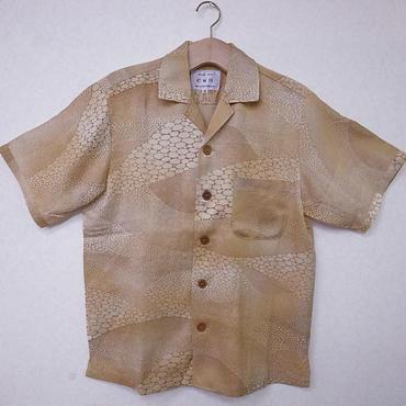 オリエンタル アロハシャツ (男性Mサイズ半袖)黄土色石畳柄地模様有り
