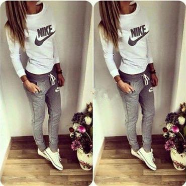 Nike風長袖トレーナーセット Nike好きに パーカー レディース 美品 部屋着 秋  秋物  秋服