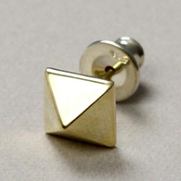 pyramid studs pierce L