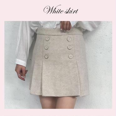 ボタンデザインスカート
