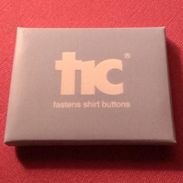 針と糸を使わずにボタンがつけられる!魔法の道具【tic】【ライトブルー】1pack(4個入り)