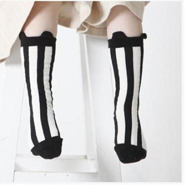 ストライプ 靴下 デザイナーズ   モノクロ