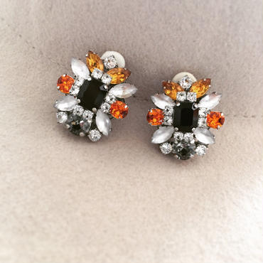 Black silver pierce earring