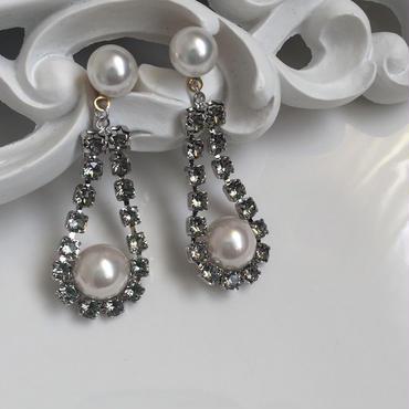 SilverSwarovskichain Pearl pierced earring