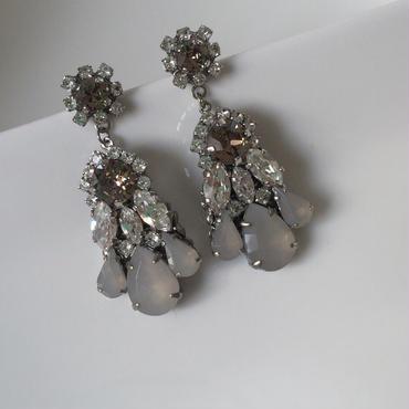 Graige pierced earring