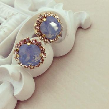 Cotton pearl Catch Swarovski pierced earring