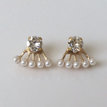 Crystal pearl two-way pierced earring