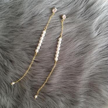 Small perl long pierce earring