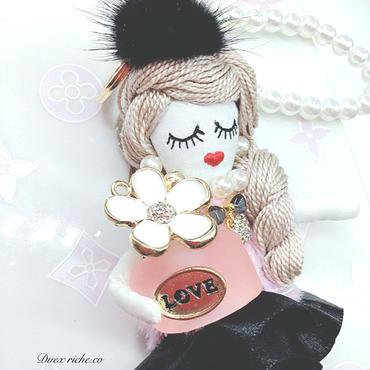 香水瓶ピンク