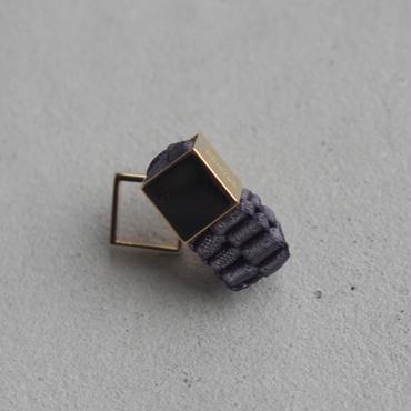 CHIKAKO YAJIMA CY16A-ER002  pierced earring Charcoal gray