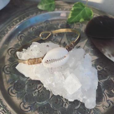 Shell/Leather Brass Bangle