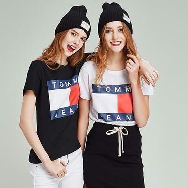 新品  人気 Tommy Hilfiger トミーヒルフィガー Tシャツ 半袖 男女兼用 人気商品 2色