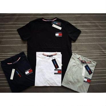 新品  トミーヒルフィガー Tommy Hilfiger Tシャツ 半袖 男女兼用 人気商品 3色