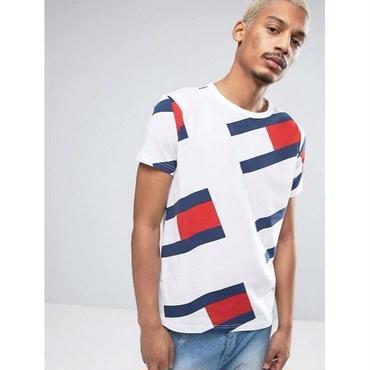 新品  Tommy Hilfiger トミーヒルフィガー Tシャツ 半袖 男女兼用 人気 美品