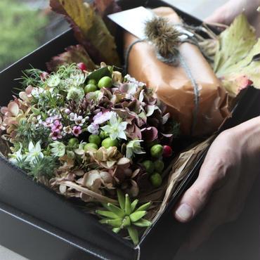 季節の贈り物 秋 アレンジメントとベイクドチーズケーキ