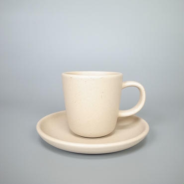 sueki ceramics / cup and soucer / ivory