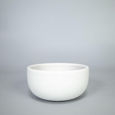 sueki yard / 150 pot / white