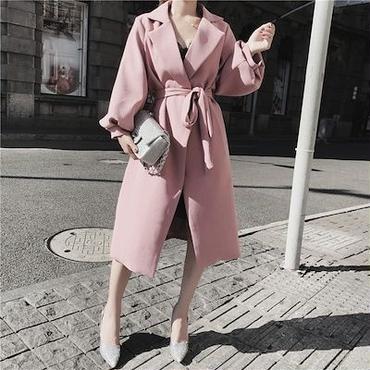 ピンク トレンチコート