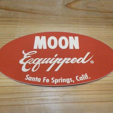 MOON Equipped オーバル ステッカー レッド MQD019RD