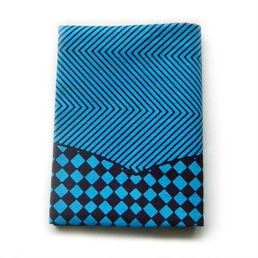 アフリカンプリントのブックカバー ブルー