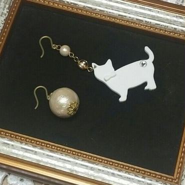 ネコとコットンパール ピアス