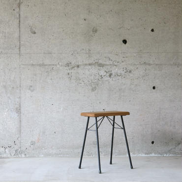 enough works〈イナフワークス〉 IRON Stool ②