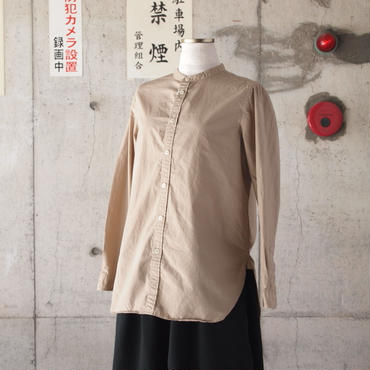 【women】Manual Alphabet〈マニュアルアルファベット〉 OVERDYE BAND COLLAR SHIRT BEIGE