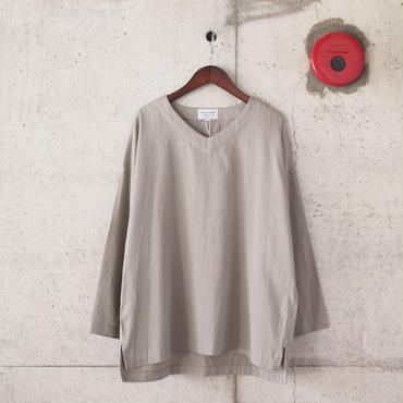 Manual Alphabet〈マニュアルアルファベット〉 MIL SLEEPING SHIRT GREIGE