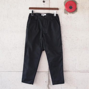 【women】Ordinary fits〈オーディナリーフィッツ〉 TUCK TROUSER BLACK