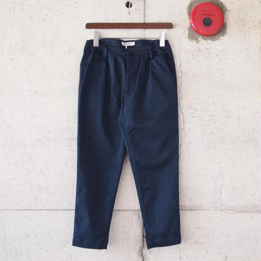 【women】Ordinary fits〈オーディナリーフィッツ〉 TUCK TROUSER NAVY