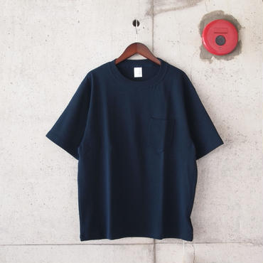 Manual Alphabet〈マニュアルアルファベット〉MILITARY FRAISE T-SHIRTS NAVY/BLACK