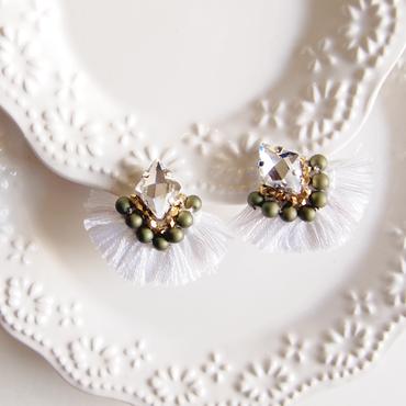 Volume fringe earring - White