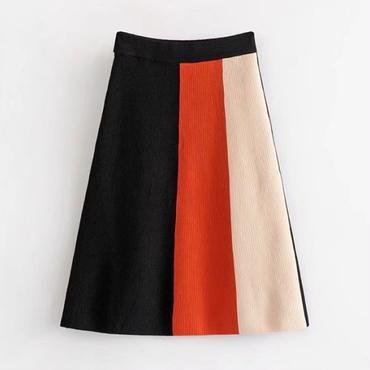 洗練デザイン ひざ下丈トライカラースカート