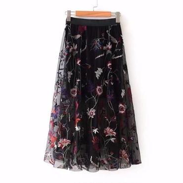 花柄刺繍がクールなシースルーシフォンスカート