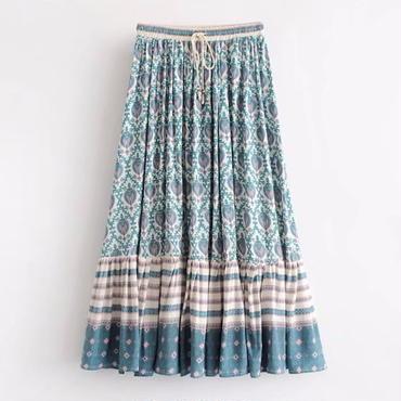 ゆったりスタイルで美脚 エスニックフレアスカート