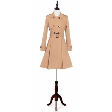 スタイルを綺麗に魅せる フェミニンスプリングコート