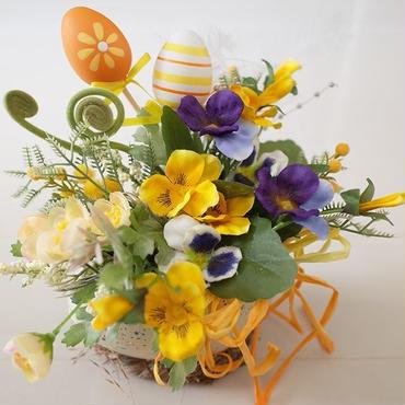 エッグポットの寄せ植え風イースター飾り*春を先取り♪