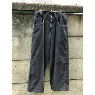 """Levi's silver Tab baggy "" wide corduroy pants ダークグレー 表記w31"