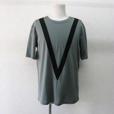 ato V字Tシャツ