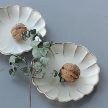 lefz-w-001 キナリ鎬フラワーシェイプ シリーズ 小皿