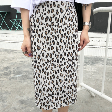 ヒョウ柄プリントバックスリットタイトスカート 2色