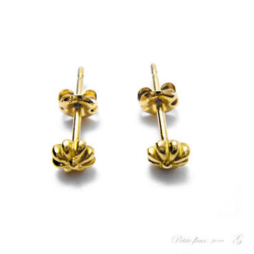 martine 小さく可愛い小花のゴールドピアス。petitefleur【K18ゴールド】OP072002OR