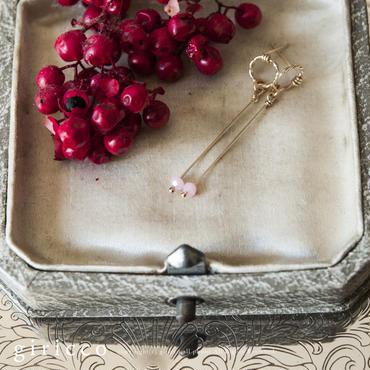 誕生月-10月生まれ/オパール/誕生石のシンプルで女性らしい気品のあるピアス。(TJ10923-10)