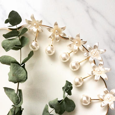 【White lily with pearl】ピアス&イヤリング