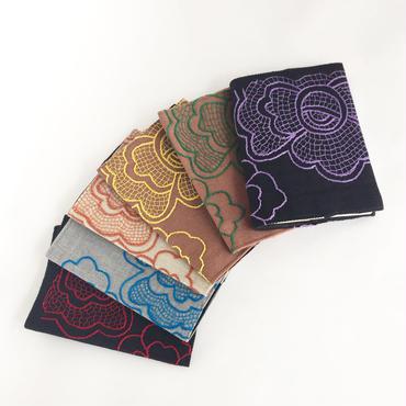 ハンドメイド刺繍 お花のブックカバー